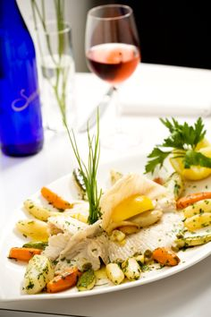 Wine pairing with fresh fish. Accord met vin, pairing food and wine.