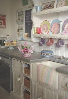 Carolyn's Little Kitchen ~ beautiful glassware, see link.