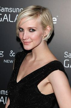 More Pics of Ashlee Simpson Graduated Bob (6 of 11) - Ashlee Simpson Lookbook - StyleBistro