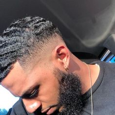 Black Men Haircuts, Black Men Hairstyles, Hairstyles Haircuts, Waves Hairstyle Men, Waves Haircut, Curly Hair Men, Curly Hair Styles, 360 Waves Hair, Types Of Fade Haircut