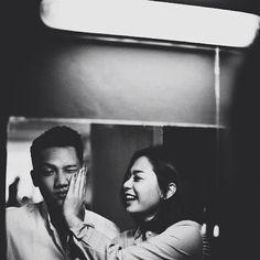 Cute one, they happy~ Pre Wedding Poses, Pre Wedding Photoshoot, Wedding Pics, Wedding Shoot, Wedding Couples, Couple Photography, Wedding Photography, Korean Wedding, Javanese
