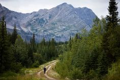 The Great Divide Mountain Bike Route (GDMBR): A Planning Guide - Pedaling Nowhere
