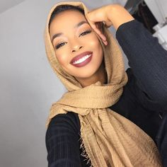 How To Create Stunning Eye Makeup For Beginners Modern Hijab Fashion, Muslim Women Fashion, Modest Fashion, Hijabs, Modele Hijab, Turban Hijab, Hijabi Girl, Stunning Eyes, Beautiful Hijab