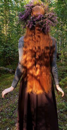 Hair Inspo, Hair Inspiration, Fantasy Magic, Long Red Hair, Redhead Girl, Aesthetic Hair, Ginger Hair, Pretty Hairstyles, Hair Growth