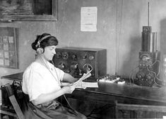 Mary Loomis was one of the few women who were radio engineers in the 1920s. She opened a school in Washington, D.C., to teach radio operation and engineering.