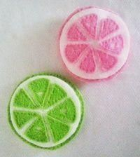 Make your own felt citrus coasters! Free tutorial with pictures on how to sew a fabric coaster in under 180 minutes by sewing and hand sewing with embroidery thread, embroidery thread, and embroidery thread. in the Needlework sec. Felt Coasters, Fabric Coasters, Diy Coasters, Make Your Own, How To Make, Felt Diy, Embroidery Thread, Diy Tutorial, Hand Sewing