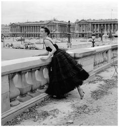 Model in tulle confection by Jacques Griffe, Paris, 1958 Photo Willy Maywald