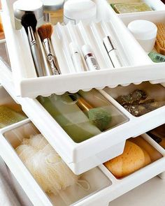 DIY: 25 Tips For Storing Your Makeup - some great ideas.