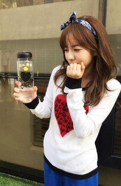 2NE1's Dara wraps up filming for 'We Broke Up' http://www.allkpop.com/article/2015/05/2ne1s-dara-wraps-up-filming-for-we-broke-up…