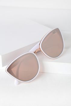 Gaze across the sea in the Lulus Garza White and Rose Gold Sunglasses! These sunnies feature an ultra-chic look with a rounded shape and rose gold trim. Round Lens Sunglasses, Cute Sunglasses, Sunglasses Shop, Cat Eye Sunglasses, Mirrored Sunglasses, Sunglasses Women, Vintage Sunglasses, Fake Glasses, Rose Gold Glasses