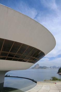 Niterói Contemporary Art Museum, Rio de Janeiro, Brazil / Oscar Niemeyer