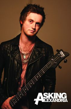 Sam Bettley bass for Asking Alexandria