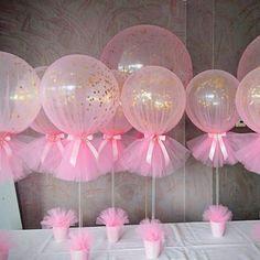 """7,695 Likes, 216 Comments - Re Pretti (@loucaporfestas) on Instagram: """"# Amei essa ideia dos balões com gás e confete dentro, envolto no filó! Imagem @antesdafesta…"""""""