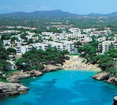 Cala Esmeralda, Cala D & # Or Majorca - Holiday Recommendation Travel Around The World, Around The Worlds, Barcelona, Balearic Islands, Majorca, Canary Islands, Beach Hotels, Spain Travel, Ibiza