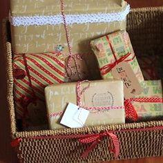 Eccezionalmente di Mercoledì, un nuovo post e video DIY. {link diretto nei dettagli del profilo} #karenchiccherie #diy #doityourself #diynatale #regali #cartaregalo #mrwonderful #regalidinatale #womoms_xmas #ariadinatale #pacchi #questionidicarta