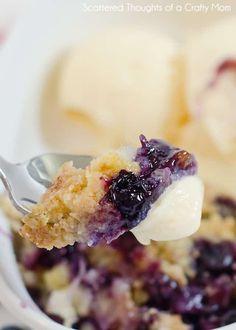 Blueberry Dump Cakes, Blueberry Desserts, Blueberry Cheesecake, Cheesecake Bars, Easy Desserts, Delicious Desserts, Homemade Desserts, Health Desserts, Summer Desserts