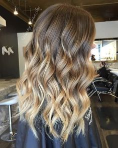 Blonde Balayage Highlights, Balayage Caramel Blonde, Blond Ombre, Brown Ombre Hair, Caramel Hair, Brown Balayage, Hair Color Highlights, Ombre Hair Color, Hair Color Balayage