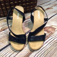 """SZ 8 AEROSOLES PLUSHBABY NAVY BLUE WEDGE  SANDALS Navy blue SLINGBACKS by AEROSOLES man made materials excellent condition 3.5"""" wedge heel. AEROSOLES Shoes Sandals"""