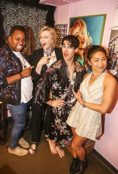 Alex Newell, Jane Lynch, Darren Criss and Jenna Ushkowitz (all costars on the TV show 'GLEE') pose backstage at the hit musical 'Hedwig and The Angry Inch' on Broadway at The Belasco Theater on June 2015 in New York City. Alex Newell, Darren Criss Glee, Becca Tobin, Jane Lynch, Finn Hudson, Glee Club, Chris Colfer, Cory Monteith, Lea Michele
