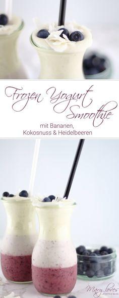 Rezept für den Sommer - Frozen Yogurt Smoothie mit Bananen und Heidelbeeren - Gefrorener Bananen-Heidelbeer-Smoothie mit Kokos und Joghurt - FroYo-Smoothie mit Bananen, Kokosnuss und Heidelbeeren