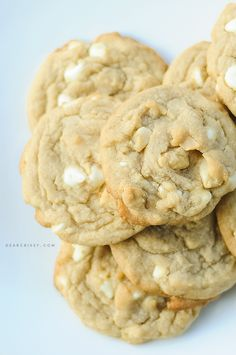 White chocolate macadamia nut cookies - delicious and simple! #cookies