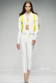 Atelier Versace Spring/Summer 2016 collection - Sporty Chic in white and yellow
