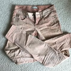 FP corduroy Free People Cordouroy - in perfect condition.  No trades, make an offer if interested, please no lowballing :) Free People Pants Skinny