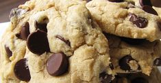 Absolutely the Best Chocolate Chip Cookies Recipe This is a secret family recipe for chocolate chip cookies! Everyone who tries them begs for more. Crisco Chocolate Chip Cookies, Chocolate Biscuits, Chocolate Chips, Crisco Cookies, Easter Chocolate, Bar Cookies, Chocolate Brownies, Chip Cookie Recipe, Cookie Recipes