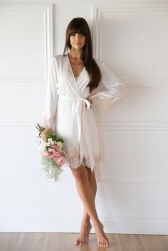 ❤ Click image to see FULL collection ❤ This Robe with is the perfect bridal robe for your wedding. Pair it beautifully with a robe for a matching bridal party. White Bridal Robe, Bridal Robes, Honeymoon Essentials, Jolie Lingerie, Elegant Bride, Sophisticated Bride, Before Wedding, Fashion Advice, Marie