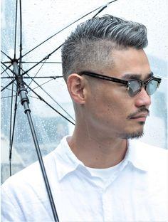 パーマでキメる!外国人風ちょいワルヘア:L034162036|ガズル ハラジュク(GUZZLE HARAJUKU)のヘアカタログ|ホットペッパービューティー Asian Men Short Hairstyle, Older Mens Hairstyles, Haircuts For Men, Cool Hairstyles, Short Hair Cuts, Short Hair Styles, Hair Reference, Weird Fashion, Grey Hair