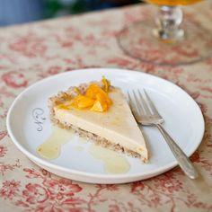Caramel Cream Pie with Pecan Crust