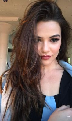Danielle Campbell Danielle Campbell The Originals, Dani Campbell, Danielle Marie, Fancy Dress Design, Davina Claire, Female Actresses, Woman Crush, Dark Hair, Pretty Woman