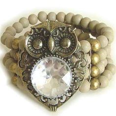 Owls are so trendy right now, lovin this beaded bracelet w/ the owl face