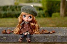 https://www.etsy.com/fr/listing/485073019/custom-blythe-doll-ooak-hazel-by-ma?ref=shop_home_active_1