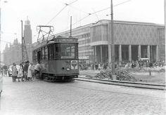 Coolsingel in de jaren zestig. Rotterdam, Back In Time, Holland, Wwii, Street View, Van, Historical Photos, The Nederlands, World War Ii