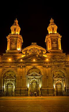 Catedral Metropolitana de Santiago, Chile, is one of the most representative buildings of colonial architecture in the city. by Alonso Jiménez Quesada Places To Travel, Places To See, Places Around The World, Around The Worlds, Chili, Houses Of The Holy, Argentine, Colonial Architecture, Easter Island