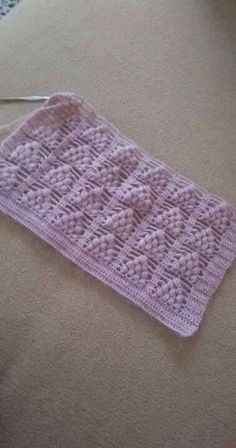 This Pin was discovered by Yas Crotchet Stitches, Crochet Crocodile Stitch, Knitting Stiches, Easy Knitting, Knitting Patterns, Crochet Patterns, Filet Crochet, Knit Crochet, Crochet Cardigan