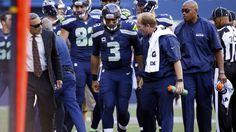 Seahawks QB Russell Wilson suffers knee injury