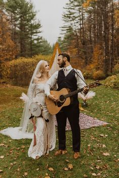 Woodsy Boho Cabin Wedding Inspiration in New Hampshire – Haus of Gravity – Compass Collective 36