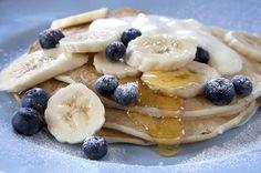 Crêpe mit Joghurt, Vanille, Blaubeeren und Banane