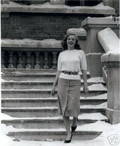 Joseph Jasgur - Marylin Monroe - 1947 - visiting different sets at the Fox Studios, Hollywood Young Marilyn Monroe, Norma Jean Marilyn Monroe, Marilyn Monroe Photos, Joseph, Norma Jeane, Iconic Women, Old Hollywood, Hollywood Stars, Hollywood Actresses