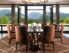 Gorgeous Luxury Home With Staggering View Over Aspen - https://freshome.com/2013/04/09/gorgeous-luxury-home-with-staggering-view-over-aspen/