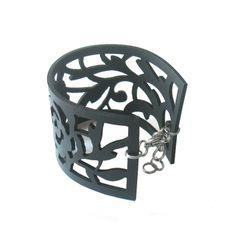 Rosa Sherardii bracelet by Nouseva Myrsky