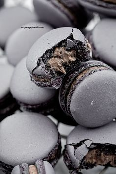 Oreo Macarons Oreo cream filling... this page needs translated to English