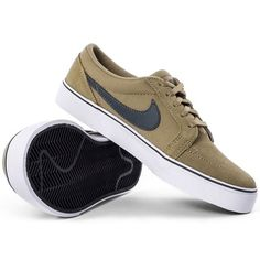 Zapatillas Nike Sb, Old School Vans, Skate Shop, Adidas Outfit, Nike Flyknit, Mens Clothing Styles, Shoe Game, Nike Air Max, Men's Shoes