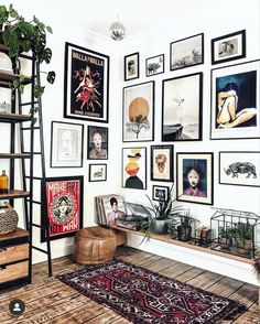 We love how took her gallery wall to the next level with beautiful… We love how took her gallery wall to the next level with beautiful prints in all shapes and sizes! The connected gallery walls create a room full of color, pattern, and energy! Piece A Vivre, Aesthetic Rooms, Home And Deco, Eclectic Decor, My New Room, Home Decor Inspiration, Home And Living, Living Room Decor, Bedroom Decor