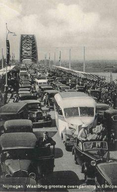 Opening van de Waalbrug