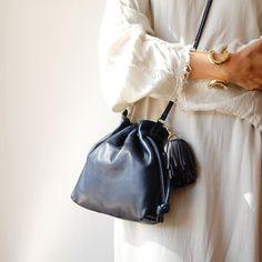 Henri Petite from Clare Vivier. www.shopweareiconic.com  #weareiconic_honolulu #honolulu #selectshop #fashion #outfit #instafashion #coordinate #alamoana #lotd #clarev #honoluluboutiques #lookbook #style #ootd #lookoftheday #outfitoftheday #ハワイ #ファッション #コーディネート #セレクトショップ #今日の服 #weareiconic #clarevivier