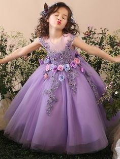Vintage Tulle Appliques Hand Made Flower Ankle Length Sheer Ribbon Cute Flower Girl Dresses With Bow For Wedding Vestidos Baby Girl Party Dresses, Dresses Kids Girl, Birthday Dresses, Girl Outfits, Fashion Kids, Latest Fashion, Classy Evening Gowns, Best Formal Dresses, Long Dresses