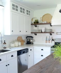 Cottage farmhouse kitchen renovation